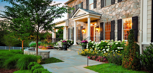 3 Key Ways To Enhance Your Home's Landscaping This Summer