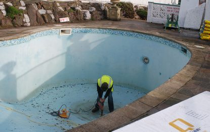 Signs That Your Pool Needs Repair